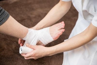 足の捻挫はストレッチと関節矯正をすればクセになりません!