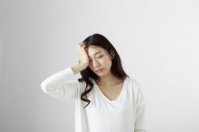肩こりは頭痛やしびれなどの合併症が起こります